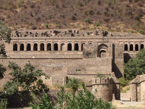 Bhangarh Fort-The Most Haunted place
