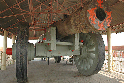 Jaigarh Fort-Largest wheeled canon at Jaipur